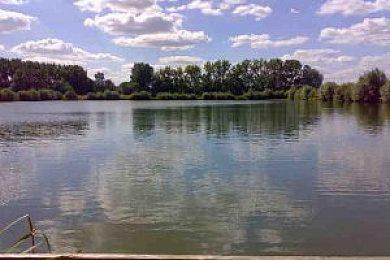 Beckerings Park Farm Reservoir  - Fisharound.net