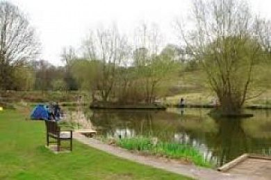 Lloyds Meadow fishery - Fisharound.net