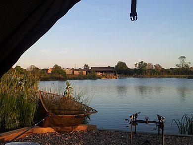 Airfield Lakes - Fisharound.net